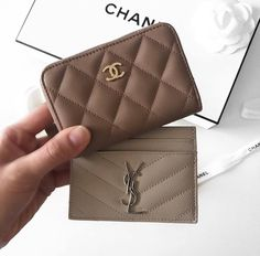 Wallet 2020 – The Best Wallet Ideas Are Here Luxury Purses, Luxury Bags, Luxury Handbags, Prada Handbags, Purses And Handbags, Sacs Design, Designer Wallets, Cute Purses, Small Leather Goods
