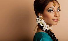 Gorgeous! Indian bridal makeup.  Mehwish Khan Indian Bridal Hair and Makeup Artist
