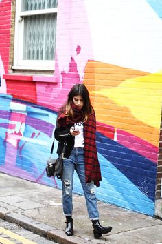 what to wear while in london, what the locals in london wear, what to wear in…