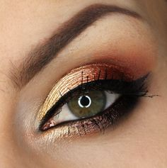 Products Used: Makeup Geek Foiled Eye Shadows in Flame Thrower, In The Spotlight, Magic Act, Mesmerized, Showtime