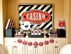 Vintage Casino Party – Game Night with Friends - Fun ideas for decorations, desserts and more! Fète Casino, Casino Party Games, Casino Party Decorations, Casino Poker, Casino Theme Parties, Party Centerpieces, Birthday Parties, Casino Royale, Parties Kids