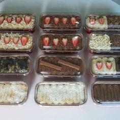 Dessert Pizza, Dessert Boxes, Tea Cakes, Cupcake Cakes, Candy Recipes, Dessert Recipes, Candy Drinks, Dessert Packaging, Brownie Desserts