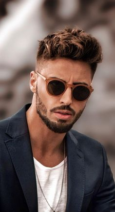 Top 5 must have sunglasses for men to invest right now to look stylish. Types Of Beard Styles, Beard Styles For Men, Hair And Beard Styles, Trimmed Beard Styles, Faded Beard Styles, Men Sunglasses Fashion, Stylish Sunglasses, Round Mens Sunglasses, Man Sunglasses