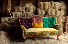 Eclectic vintage lounge. Love this quirky piece!