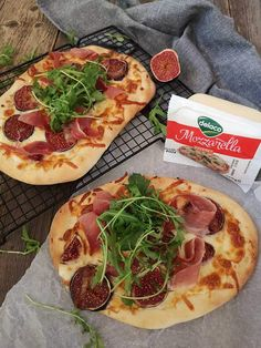 Pizza cu prosciutto si smochine - Bucataresele Vesele Pepperoni, Vegetable Pizza, Prosciutto, Vegetables, Food, Essen, Vegetable Recipes, Meals, Yemek