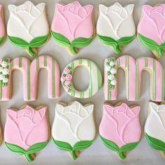 Rose Cookies Using Tulip Cutter Flower Sugar Cookies, Rose Cookies, Sugar Cookie Royal Icing, Mother's Day Cookies, Summer Cookies, Fancy Cookies, Valentine Cookies, Iced Cookies, Easter Cookies