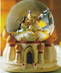 Aladdin Disney Snowglobe...I own this! Collected Disney snow globes when I was a kid !