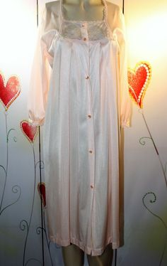 d8bb08a79e14 VINTAGE JC PENNY'S 100% NYLON BUTTON DOWN NIGHTGOWN!! FAB STYLE #fashion  #clothing #shoes #accessories #vintage #womensvintageclothing (ebay link)