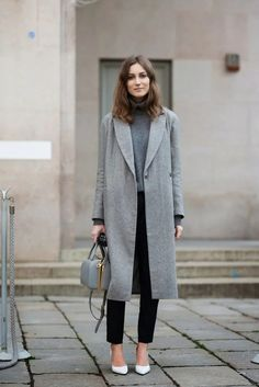 Tap into refined, elegant style with a grey coat and black vertical striped suit pants. Finish off your look with white leather pumps. Uk Fashion, Grey Fashion, Womens Fashion, Milan Fashion, Street Fashion, Fashion Trends, Minimal Chic, Costume Anglais, Outfits