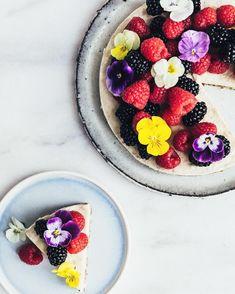 Summer's cutest vegan cheesecake  #juustokakku #luomu #lähiruokaa #ekohäät #ecofood #ecowedding