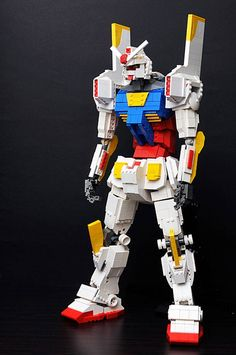 What better way for fans of LEGO , of Gundam and Evangelion a big mashup that mixes all this? Here is a mashup made by K. Gyuta who assembled in a single LEGO mecha the EVA-01 of the cult series Evangelion and the RX-78 Gundam, another cult series mecha