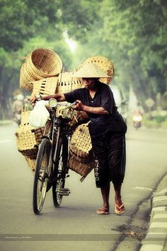 People 01 by ~pelacurseni on deviantART. Some people in Indonesia still use bamboo for their daily appliances, either tampah offerings, chicken coops, or basket. The weaver usually paddle their bike 10 km or more, departs before dawn and comes back after the dusk.