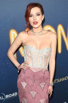 Bella Thorne Hot Stills At Midnight Sun Premiere In Los Angeles 6 Hollywood Heroines, Hollywood Celebrities, Hollywood Actresses, Bella Thorne, Beautiful Redhead, Beautiful Women, Models, Gal Gadot, Beautiful Actresses