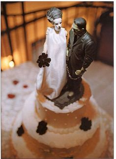 Halloween wedding topper