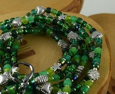 Electric Emerald green stretchy seed bead by OklahomaMama on Etsy