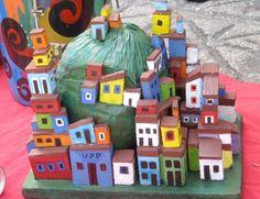 Escultura de favela feita por Bianca Branco  em Ateliê de Artes 587