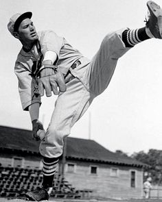 "Dizzy Dean-""it ain't bragging if you can back it up"", GO CARDS"