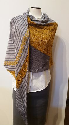 Shawl Patterns 460211655668676963 - Ravelry: Project Gallery for Teroldego pattern by Caitlin Hunter Source by bfiket Knit Cowl, Knitted Shawls, Crochet Shawl, Knit Crochet, Tunisian Crochet, Shawl Patterns, Knitting Patterns Free, Crochet Patterns, Lace Patterns