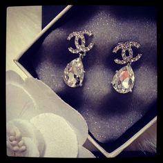 <3<3 these Chanel earrings.