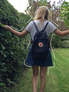 http://flcwerpal.tumblr.com/post/128925598865/made-my-sister-take-pictures-of-me-in-our-garden