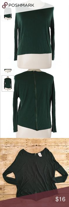 GreenZara Basics t shirt, dolman style, small Very good condition Zara Basic t shirt in a size small. Forest green in color. Approximately 22 and 26 inches in length, bust- approximately 20 inches, sleeve length- approximately 27 inches. Zara Tops Tees - Long Sleeve