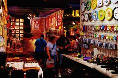 Stalls at Temple Street Night Market, Yau Ma Tei.@Lonely Planet