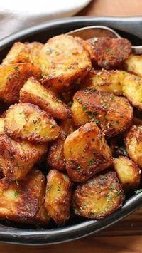 The Best Crispy Roast Potatoes Ever The Best Roast Potatoes Ever Recipe Air Fryer Recipes Potatoes, Crispy Roast Potatoes, Crockpot Roasted Potatoes, Recipes With Potatoes, Best Fried Potatoes, Best Potato Recipes, Baked Potato, Thanksgiving Side Dishes, Thanksgiving Recipes