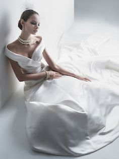 1000 images about wedding jewelry necklines on pinterest for Necklace for v neck wedding dress