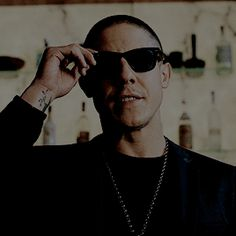 """""""I need to look you in the eyes!"""" Shades says to Cottonmouth. Marvel Show, Marvel Films, Marvel Dc, Theo Rossi, Luke Cage Shades, Mark Boone Junior, Luke Cage Marvel, Kim Coates, Tommy Flanagan"""