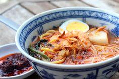 The Food Canon - Inspiring Home Cooks: Auntie Ruby's Hokkien Prawn Mee (Penang Hae Mee)