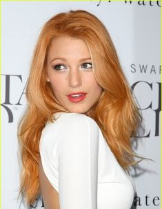 i am SO about strawberry blonde hair right now... i wanna do a deep red to strawberry ombre...