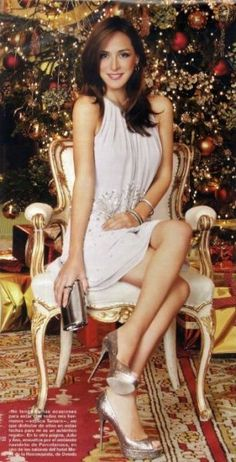 Tamara Falco posa en exclusiva con la primera imagen de la coleccion fiesta de Pronovias 2013 en la revista Hola. Short Legs, Dress Images, Aria, Yeezy, Tatoos, Trendy Fashion, Look, Casual Outfits, Colors