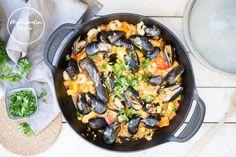 Herkullista paellaa sinisimpukoilla Paella, Dinner, Ethnic Recipes, Blog, Dining, Food Dinners, Blogging, Dinners