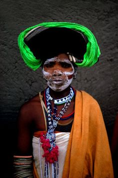 Africa | Woman wearing ceremonial makeup.  Transkei Eastern Cape, South Africa | ©Peter Turner African Union, Xhosa, African Trade Beads, Black People, Beadwork, South Africa, Cape, Women Wear, Action