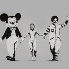 51. Banksy d'après la célèbre photo