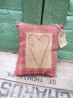 PRIMITIVE VALENTINE HEART STITCHERY PILLOW small tuck bowl filler RUSTIC GOODS