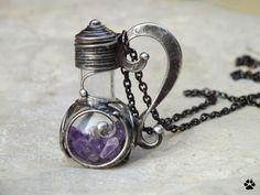 Lahvička s ametysty - cínovaný náhrdelník