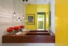 Cuarto de baño en amarillo