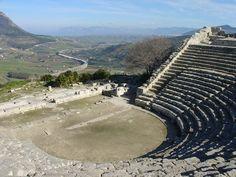 """""""Consigli di viaggio da una siciliana DOC"""": #Segesta #Sicilia http://www.allyoucanitaly.it/blog/consigli-viaggio-sicilia"""