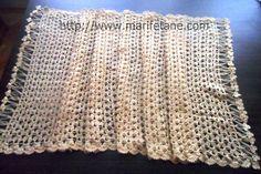 Tiğ İşi Uzun Dikdörtgen Şal Modeli crocheted shawl yapılışı burada:http://www.marifetane.com/..
