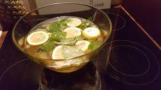 Maibowle, ein raffiniertes Rezept aus der Kategorie Bowle. Bewertungen: 53. Durchschnitt: Ø 4,6.