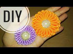 В видео представлен мастер-класс по созданию нежных цветов из атласной ленты 2.5 см. Для изготовления одного цветка понадобятся следующие материалы и инструм...