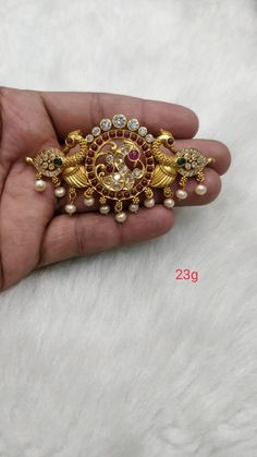 Silver Wedding Jewelry, Real Gold Jewelry, Gold Jewelry Simple, Silver Jewellery Indian, Gold Jewellery, Jewelry Design Earrings, Gold Earrings Designs, Jewelry Model, Gutta Pusalu