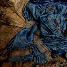 Blue and Umber.  Photo credit: Phedia Mazuc - phe-no.blogspot.com  (undeplus on Flickr)