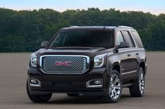 2015-GMC-Yukon-Denali-Front-Three-Quarter Photo