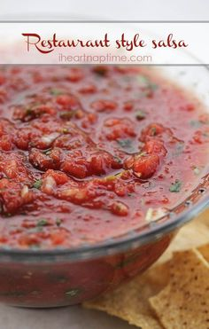 Restaurant style salsa... so easy and done in 5 minutes! #recipe