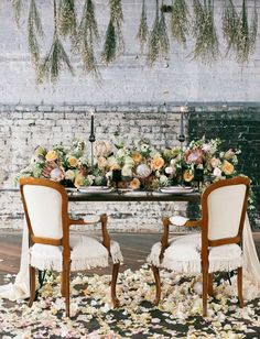 Un centre de table digne d'un tableau renaissance - Blog French Antique Wedding - Blog mariage