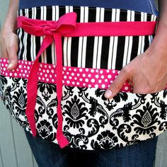 Love this 6 pocket utility apron for teaching!  Perfect for carrying around pens, dry erase markers, Sharpies, etc!