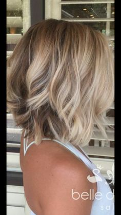 The cut I want for growing my hair out Cute Hairstyles For Medium Hair, Angled Bob Hairstyles, Blonde Bob Hairstyles, Short Hairstyles For Women, Layered Hairstyle, Pretty Hairstyles, Haircuts, Bayalage For Short Hair, Medium Blonde Hair