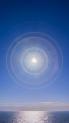 Wheel of Shiawase Beautiful Moon, Beautiful World, Sun Dogs, Scenery Pictures, Polaroid, Sky Aesthetic, Universe Art, Natural Phenomena, Sky And Clouds
